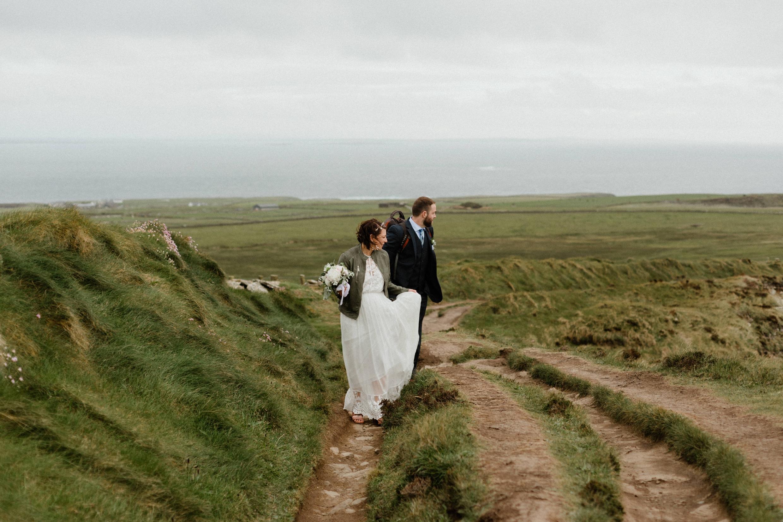cliffs-of-moher-ireland-adventurous-elopement-105.jpg