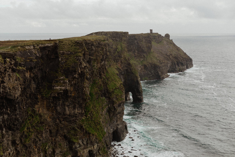 cliffs-of-moher-ireland-adventurous-elopement-116.jpg