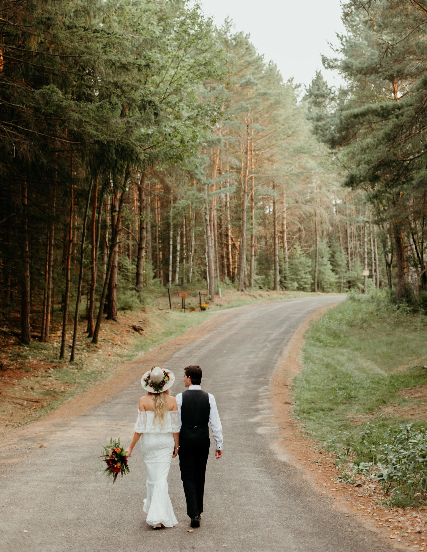 2019-07-11-intimate-wedding-elopement-photographer-wisconsin-4496.jpg