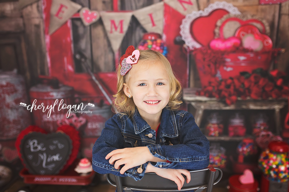 Valentine Mini Session with Rustic Theme | Cheryl Logan Photography
