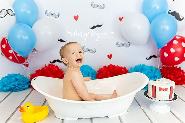 "Splish splash!! Fun in a bath!! I love including a bath at the end of my cake smash sessions. It's the perfect ""Smash & Splash""."