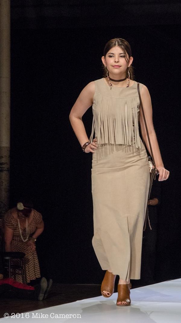 Model: Kira Gibson