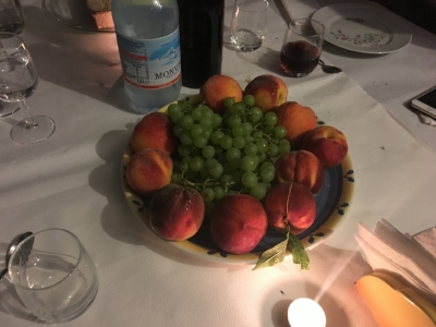 Fresh peaches and grapes from the farm at Ca Trinche, Dornere