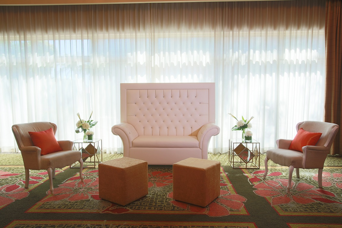 Gulfstream Lounge 1 res (1).jpg