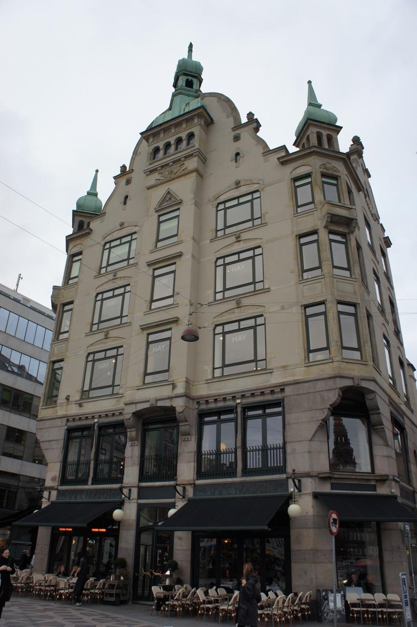 Cafe Norden met Hay winkel op verdieping