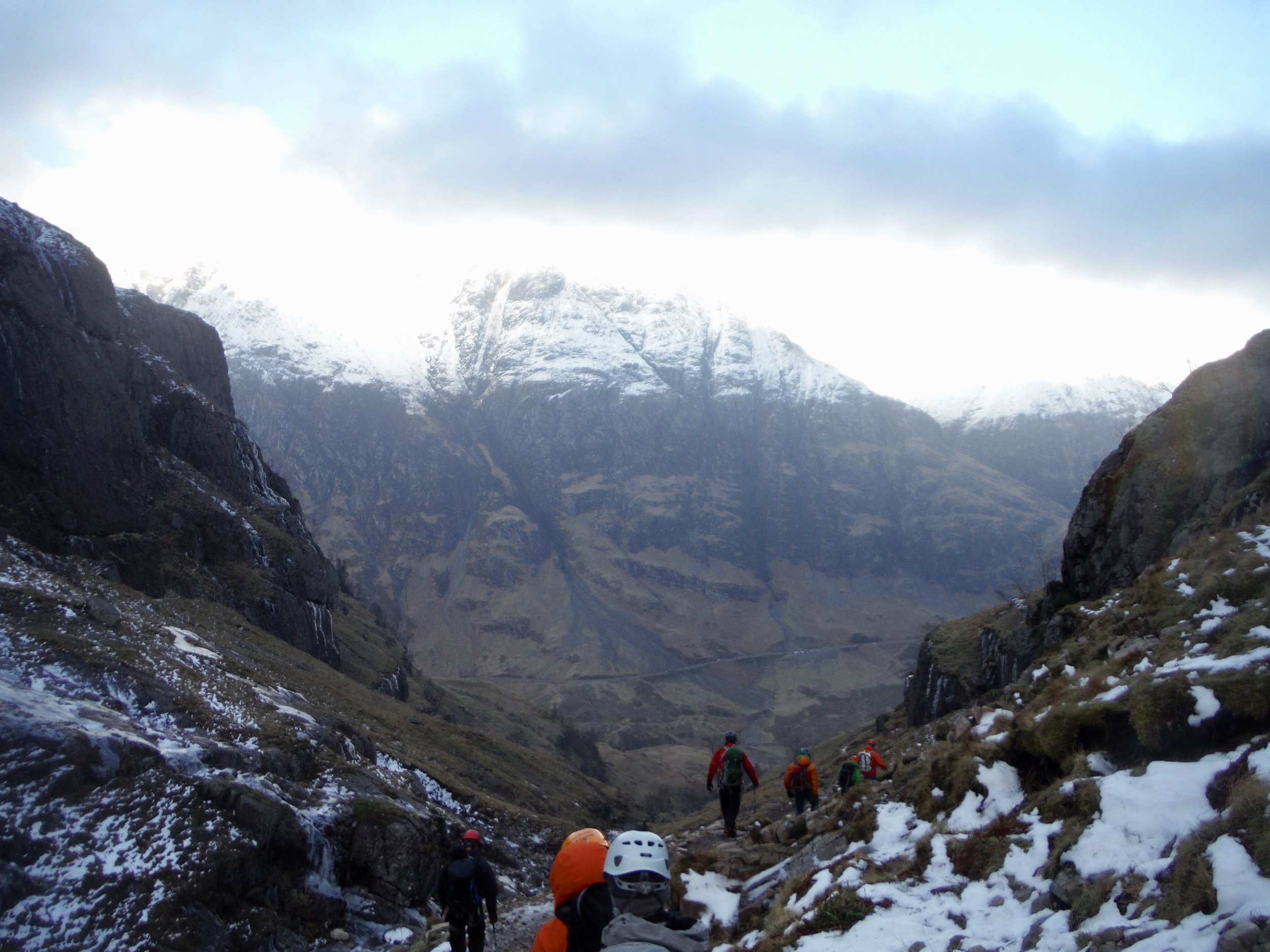 The walk out. Facing the Aonach Eagach ridge. tbc