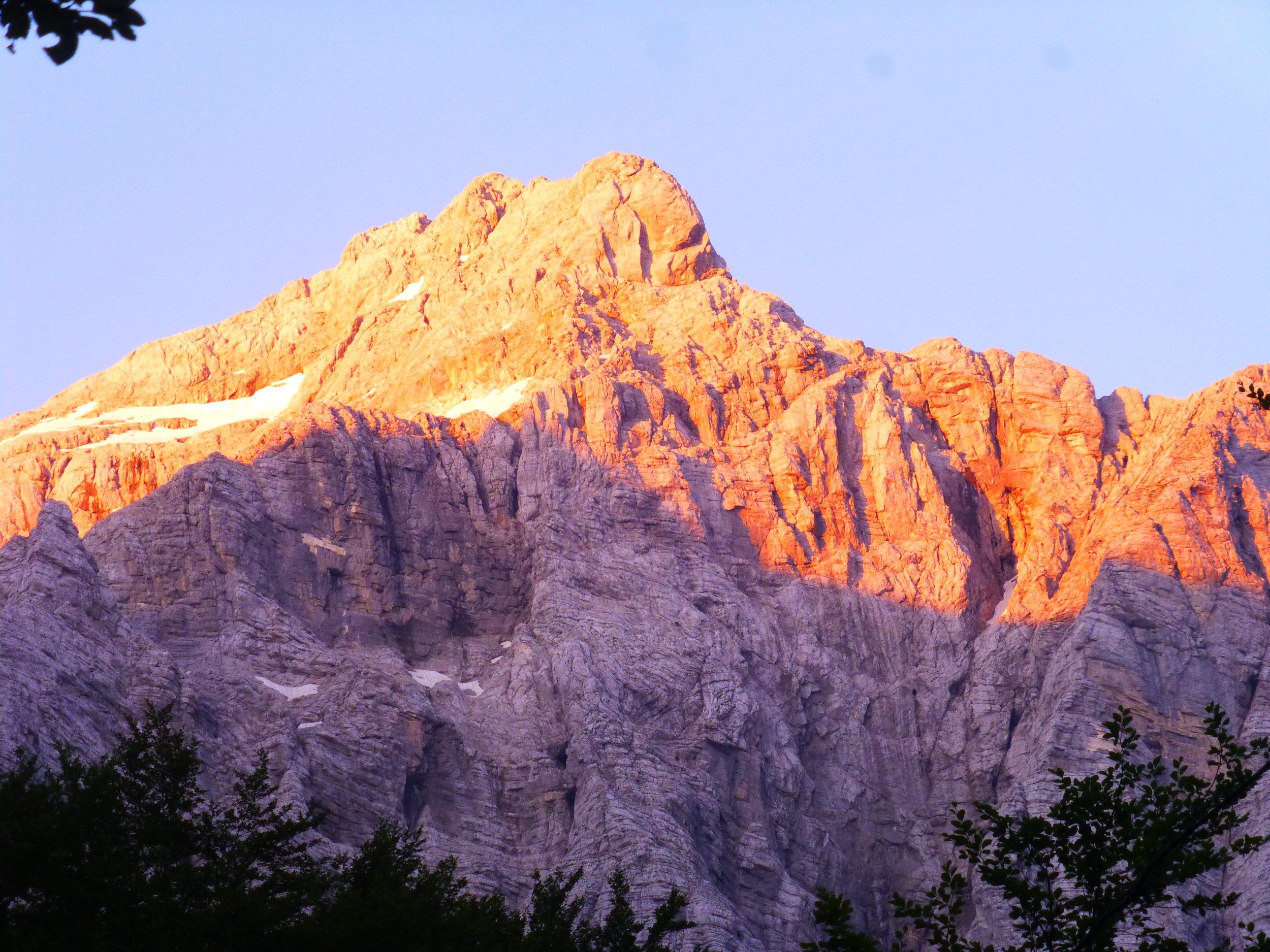Obarvan vrh