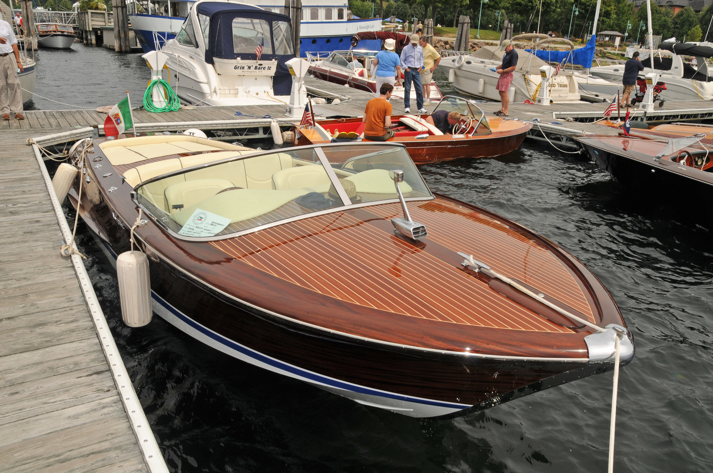 LCACBS HOME CONT 38 Boat Show Burlington 8 14 10 368.jpg