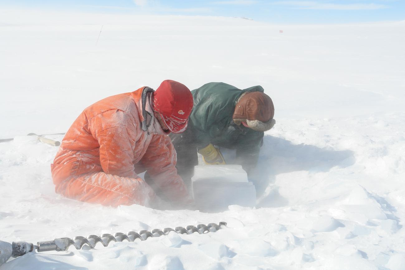 ice-digging-01.jpg