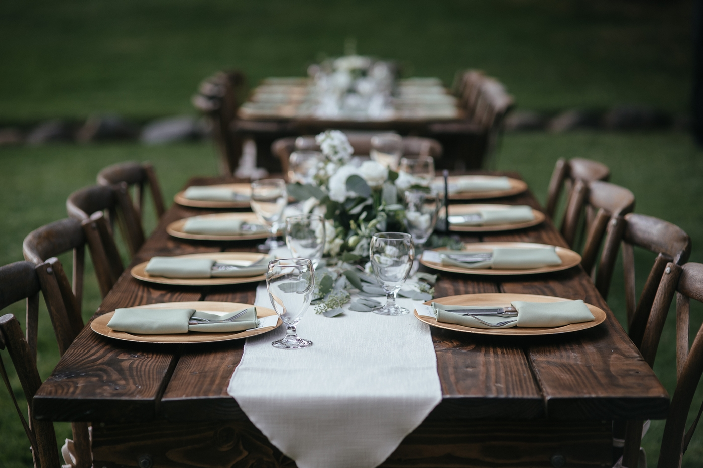 Farm tables in Sandpoint Idaho wedding
