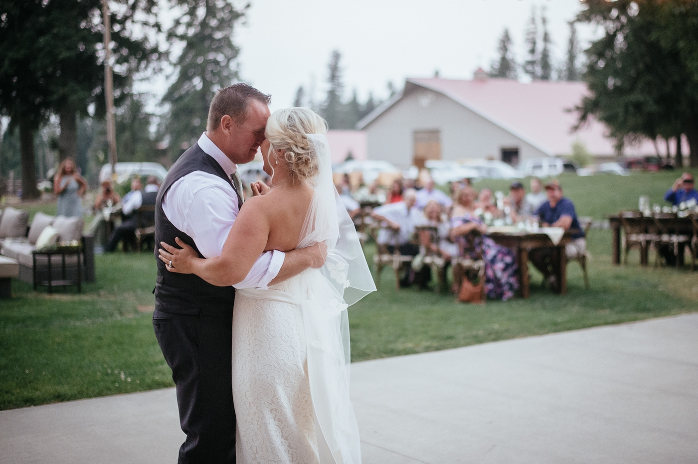 Bride and groom first dance sandpoint idaho