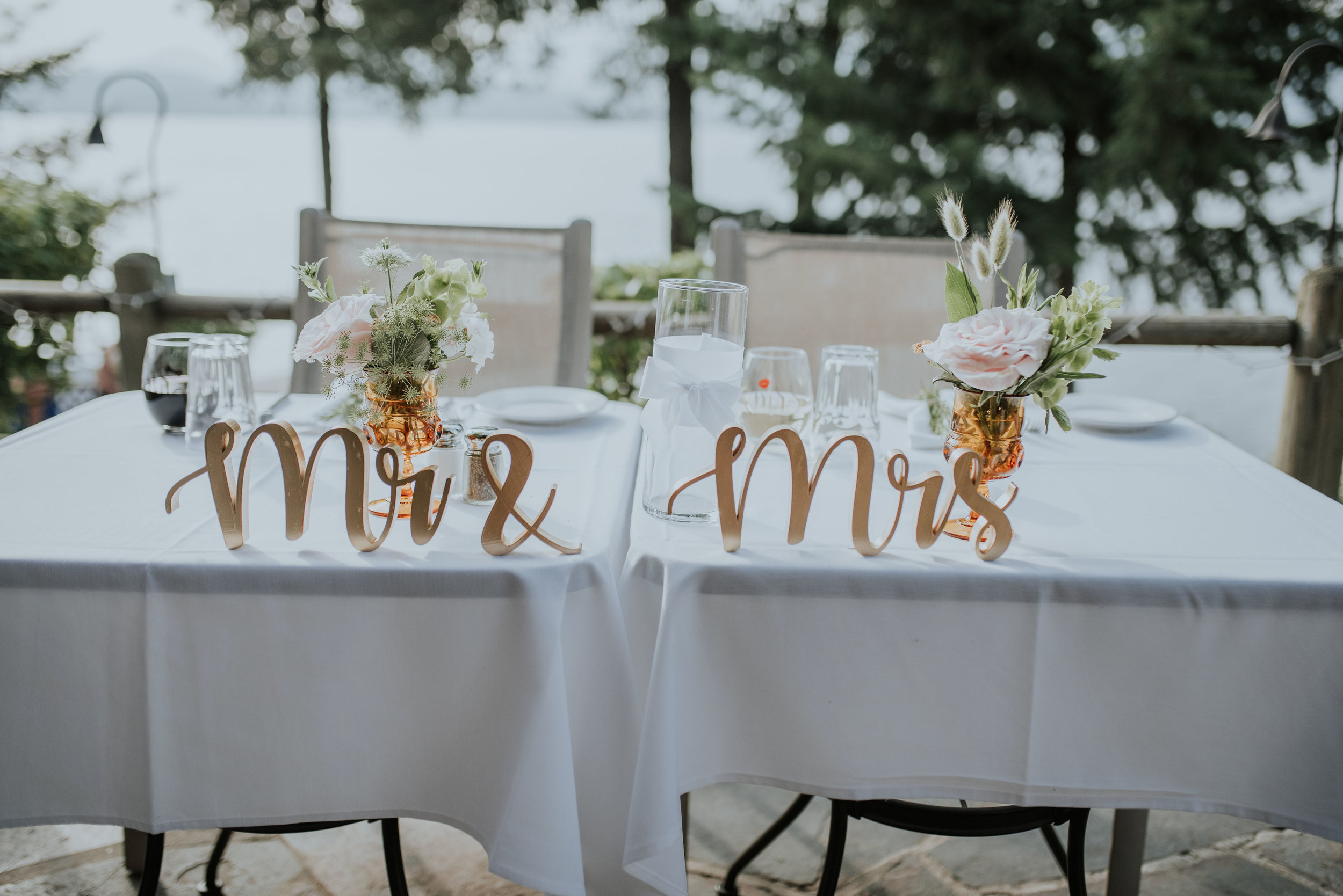 Sweetheart table lakefront
