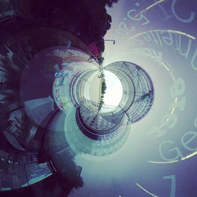 #tinyplanet #tinyworld #360 #360photo #360photography #360sphere #sphere #mi #misphere #planet #summer #austria #360camera #lifein360 #urban #explore #urbanexploration #urbanexplorer #travel #travelphotography #panorama #xiaomi #360instalife @xiaomi.global #xiaomiphotography #concrete #linz #lentos #kunsthauslinz