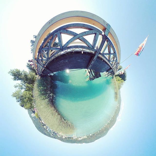 Under the bridge #wörthersee #Österreich #austria #lake #kärnten #summer #summertime  #360 #360photo #360photography #360sphere #sphere #mi #misphere #planet #lifein360 #littleplanet #tinyplanet #360insta #insta360 #holliday #bluewater #pearl #bluepearl #beautiful #travel #island #lonleyisland #lonley #nofilter