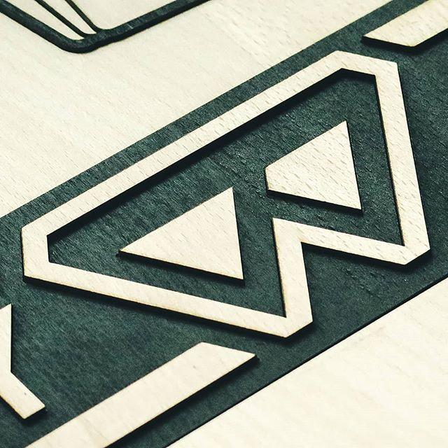Bis 21 Uhr gibt es das KeyWallet heute noch bei der #handmade im Reithofer Amtsgebäude in Steyr. 😀 . . . #kunst_designmarkt #designmarkt #steyr #buche #lasercutter #wood #wooddesign #woodlove #handmadewithlove #geschenk #kreativmarkt #produktdesign #kreativmesse #minimaldesign #minimalism #minimalismus #simplicity #summit #keyorganiser #vegan #geschenkideen #welovecoffee #kunstunddesignmarkt #slimwallet #madeinaustria #gipfel #urbandesign #handgemacht #handmadeinaustria