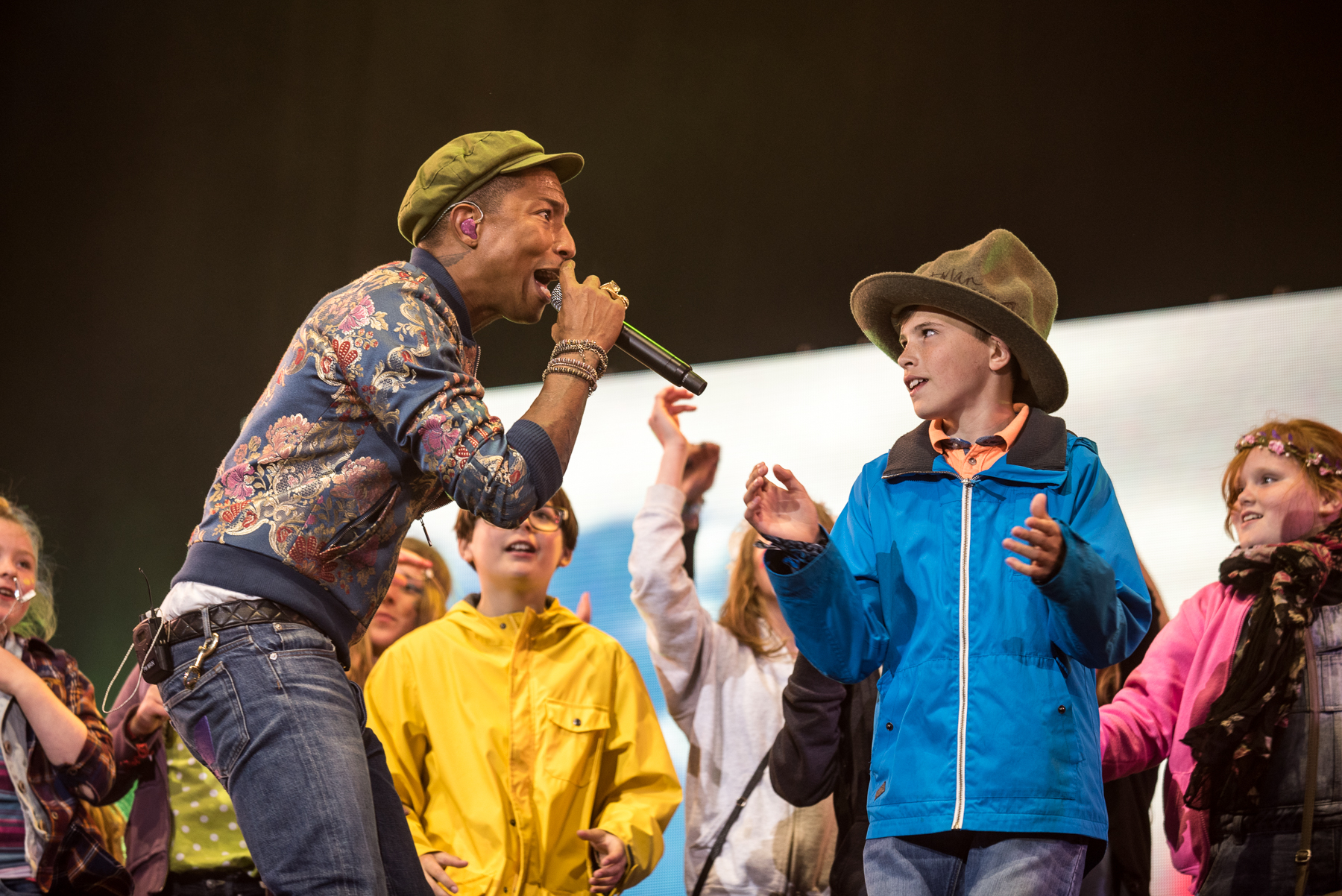 Pharrell Williams, Previous N.E.R.D Frontman, Performing with Dylan to give this kid one hell of a treat! #WellChild