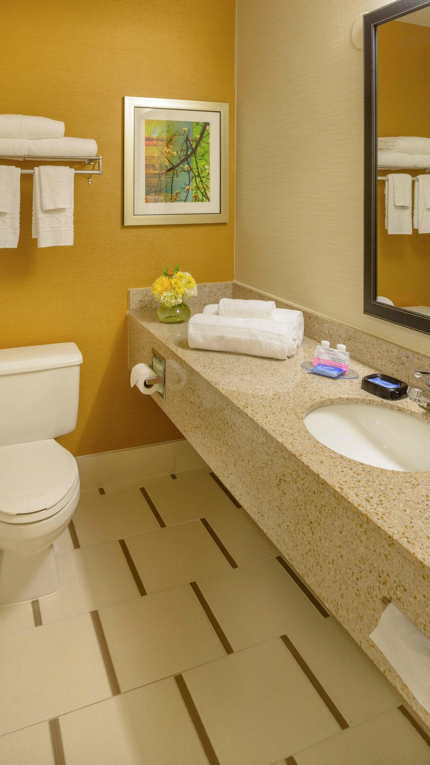 5 FFI Collinsville stlcl-bathroom-0024-ver-wide.jpg