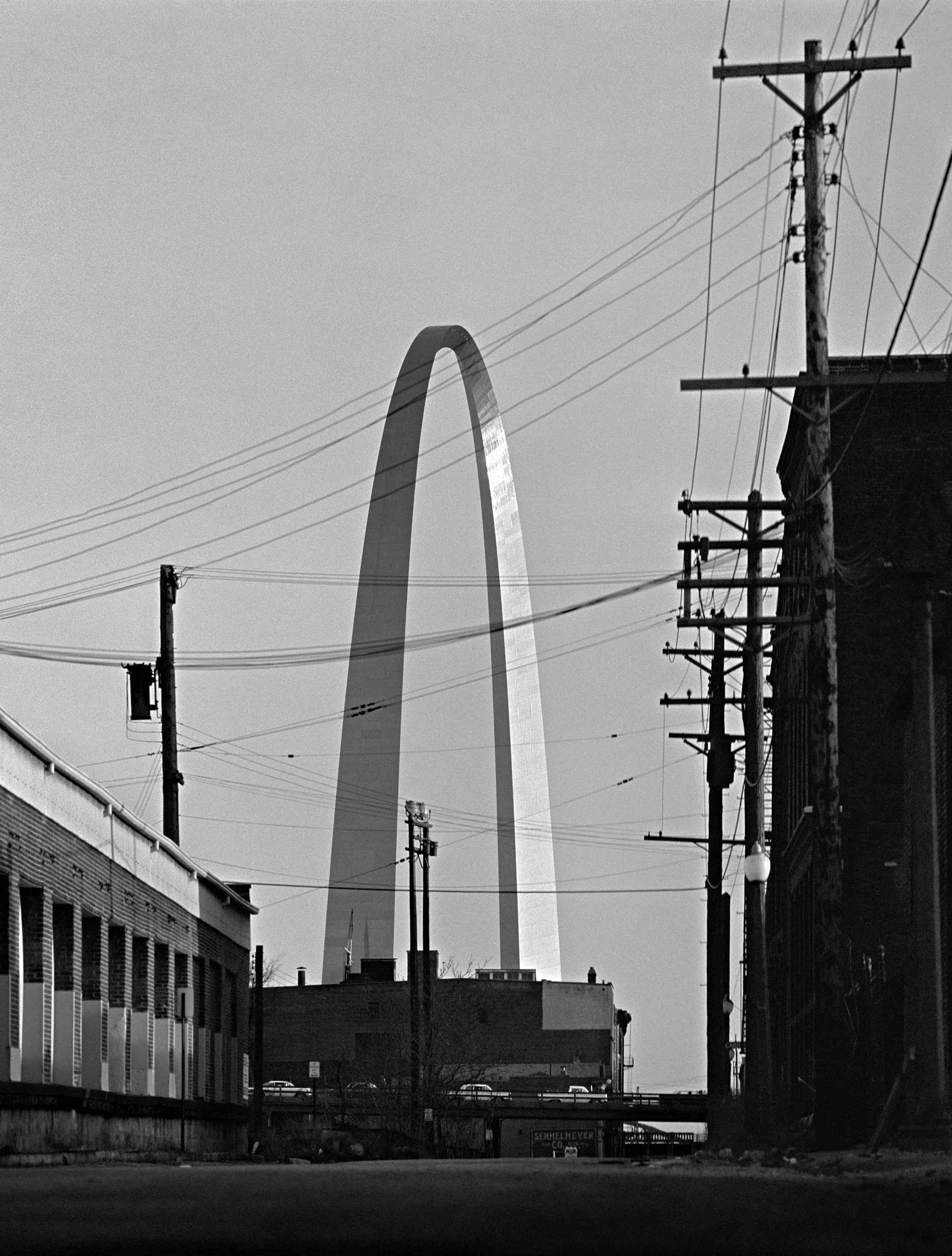 Eero Saarinen, St. Louis Arch (St. Louis, MS) 1964
