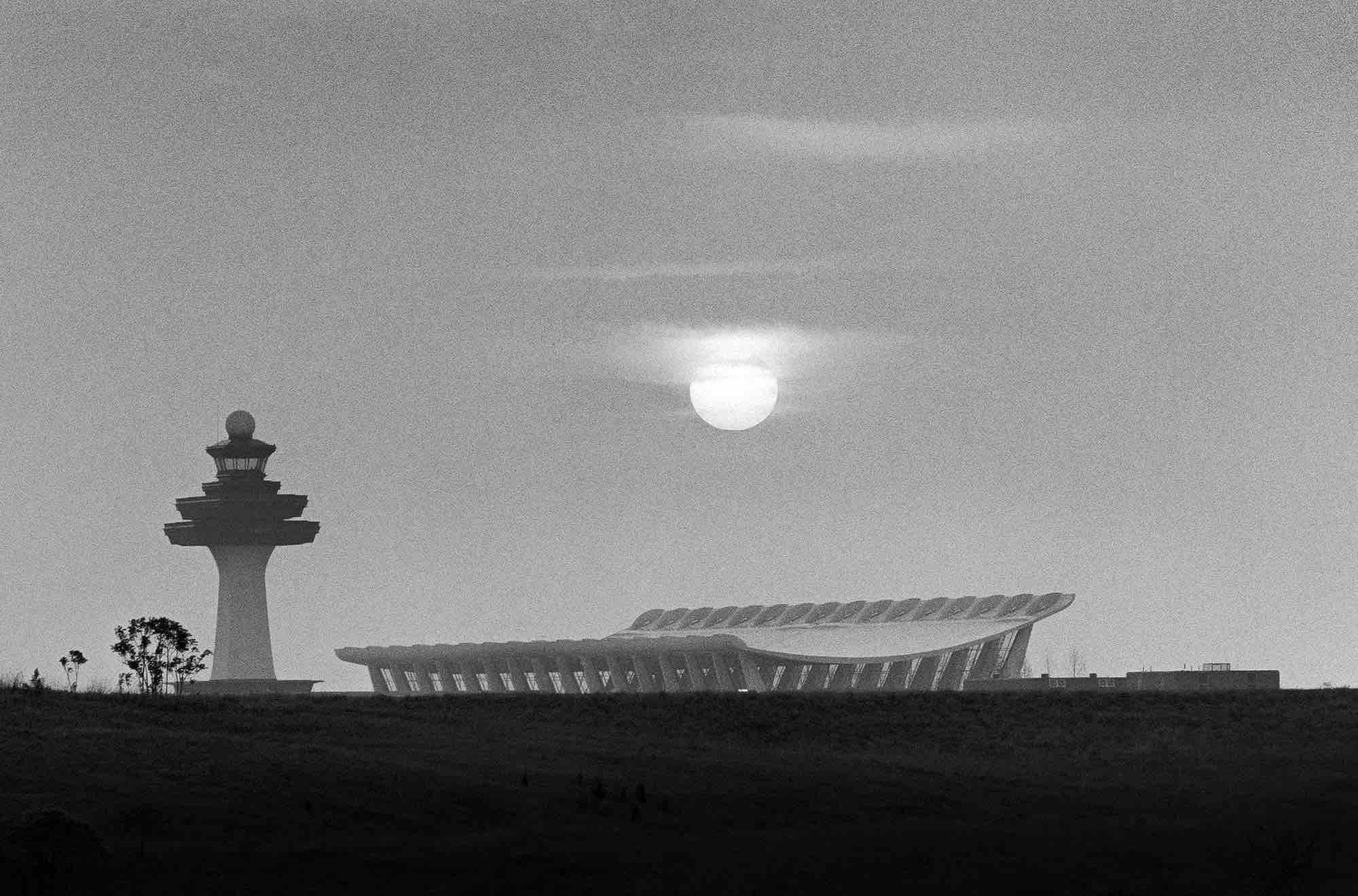 Eero Saarinen, Washington Dulles International Airport (Washington, D.C.) 1962