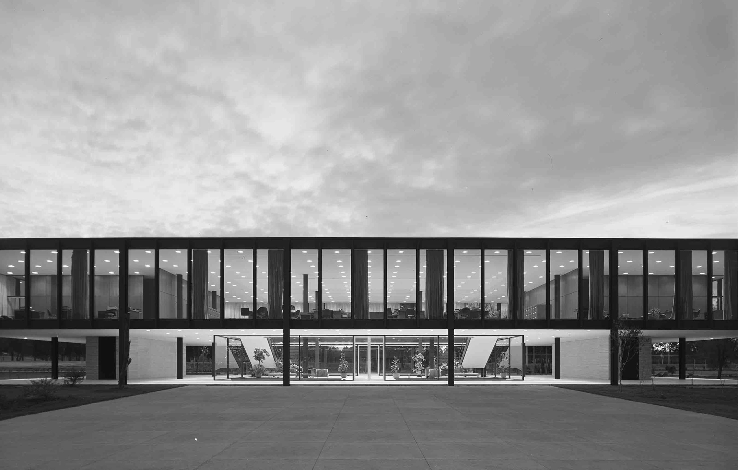 Ludwig Mies van der Rohe, Bacardi Office Building (Mexico City, Mexico) 1961