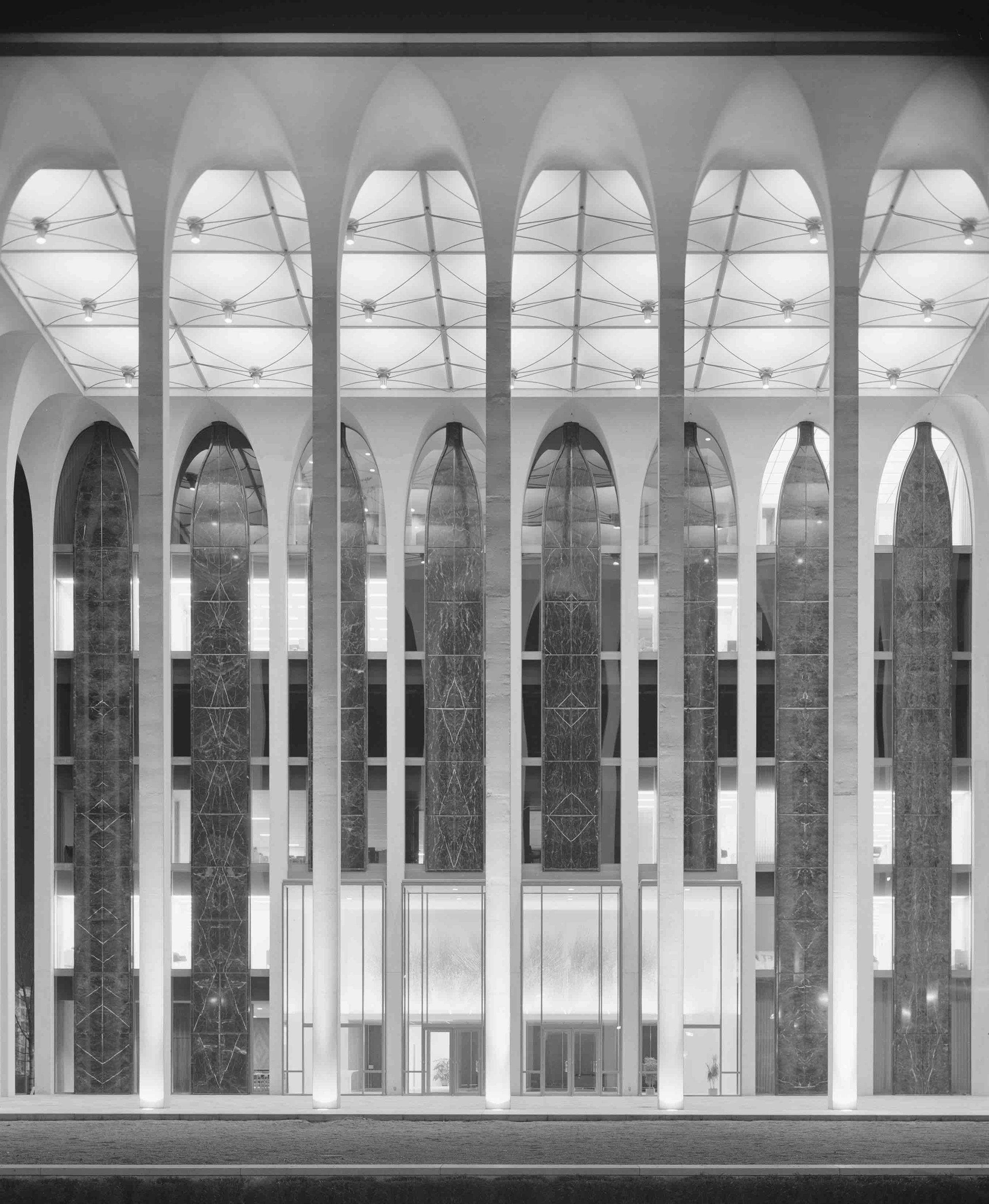 Minoru Yamasaki, Northwestern Mutual Life Building (Minneapolis, MN) 1965