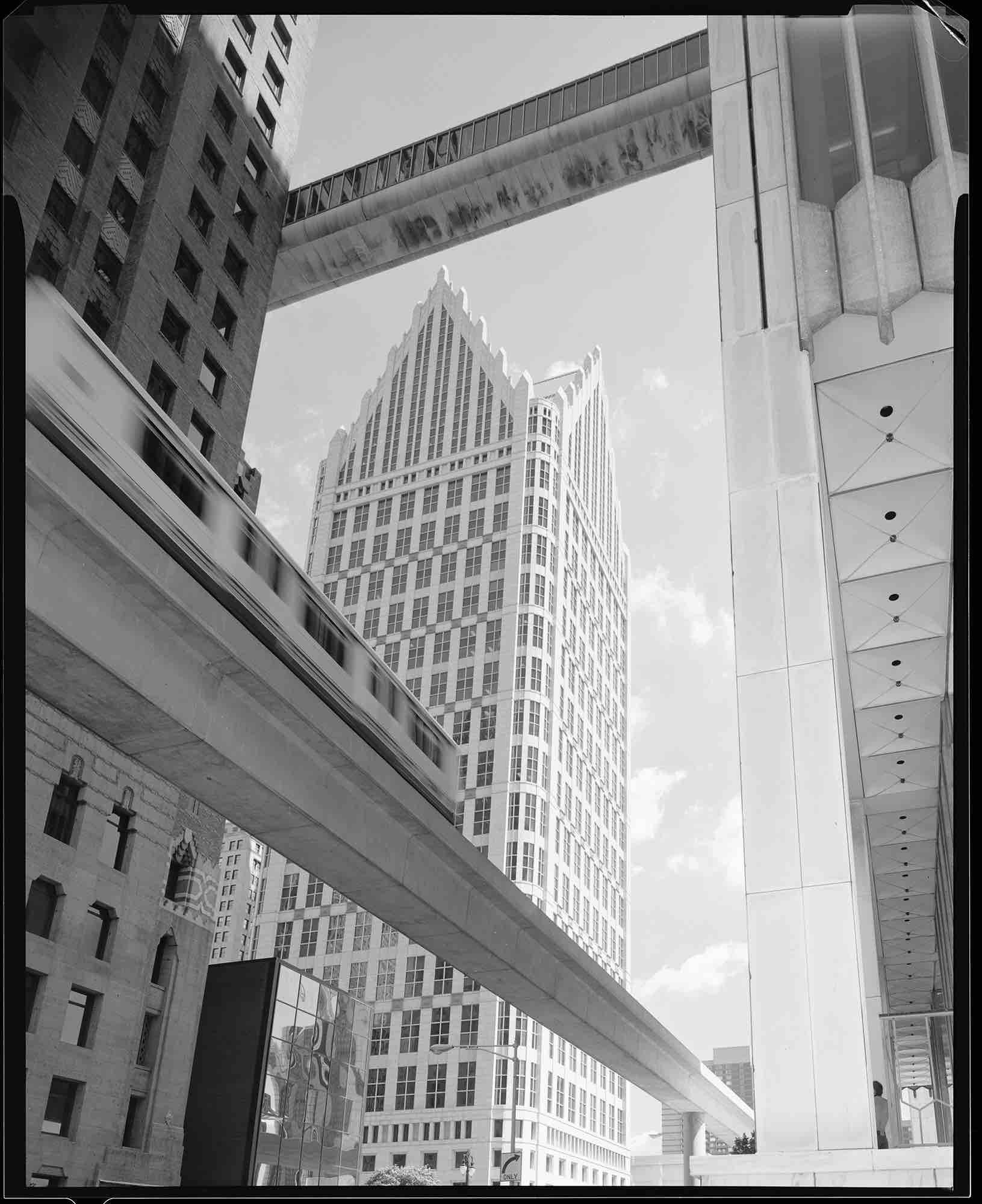 Philip Johnson, One Detroit Center (Detroit, MI) 1993
