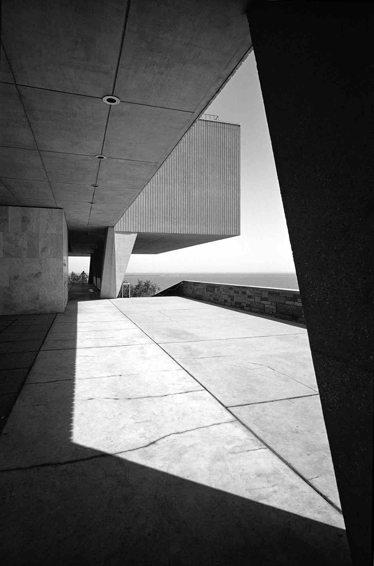 Eero Saarinen, Milwaukee County War Memorial (Milwaukee, WI) 1957