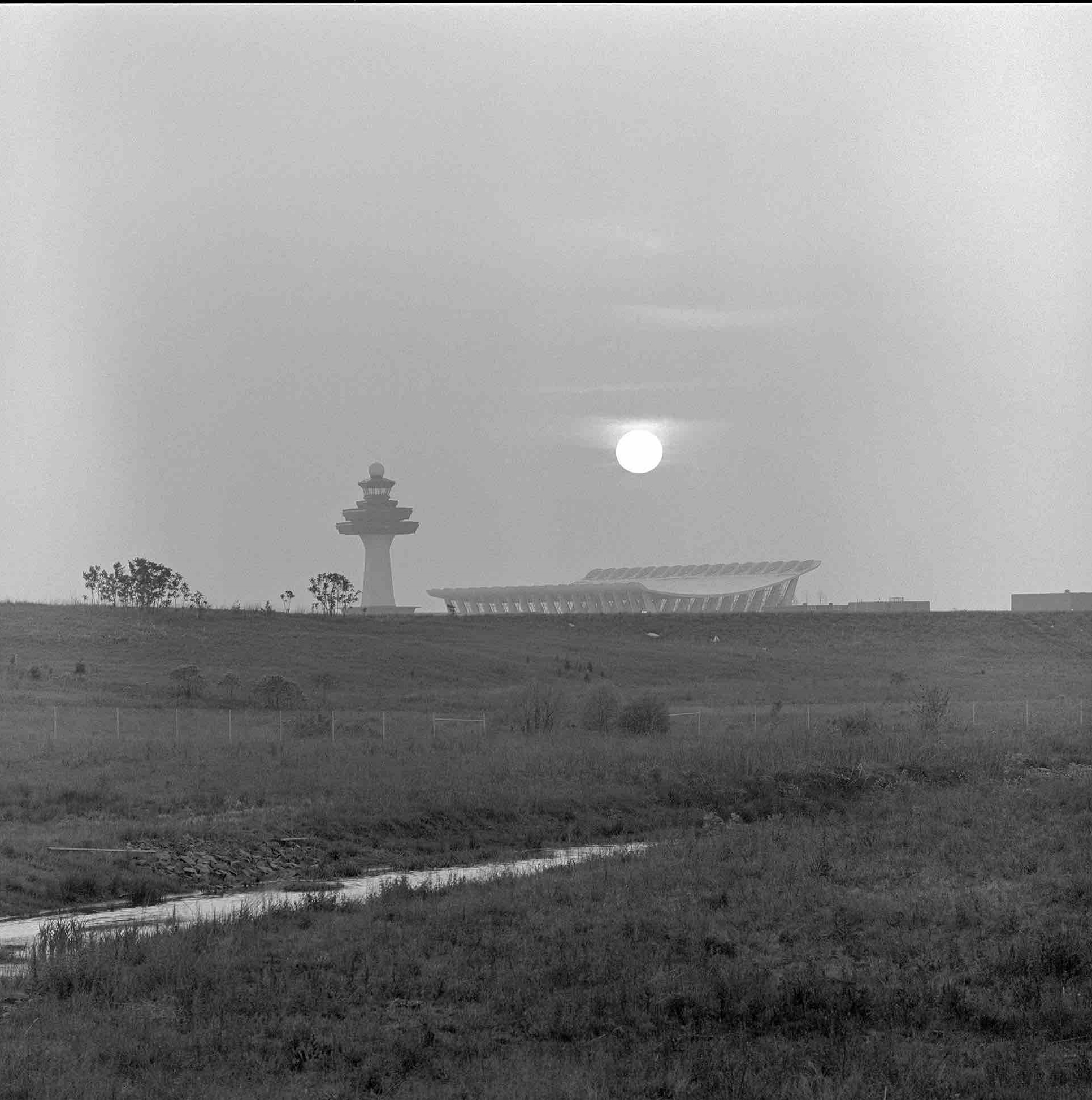 Eero Saarinen, Washington Dulles International Airport (Washington, D.C.) 1962