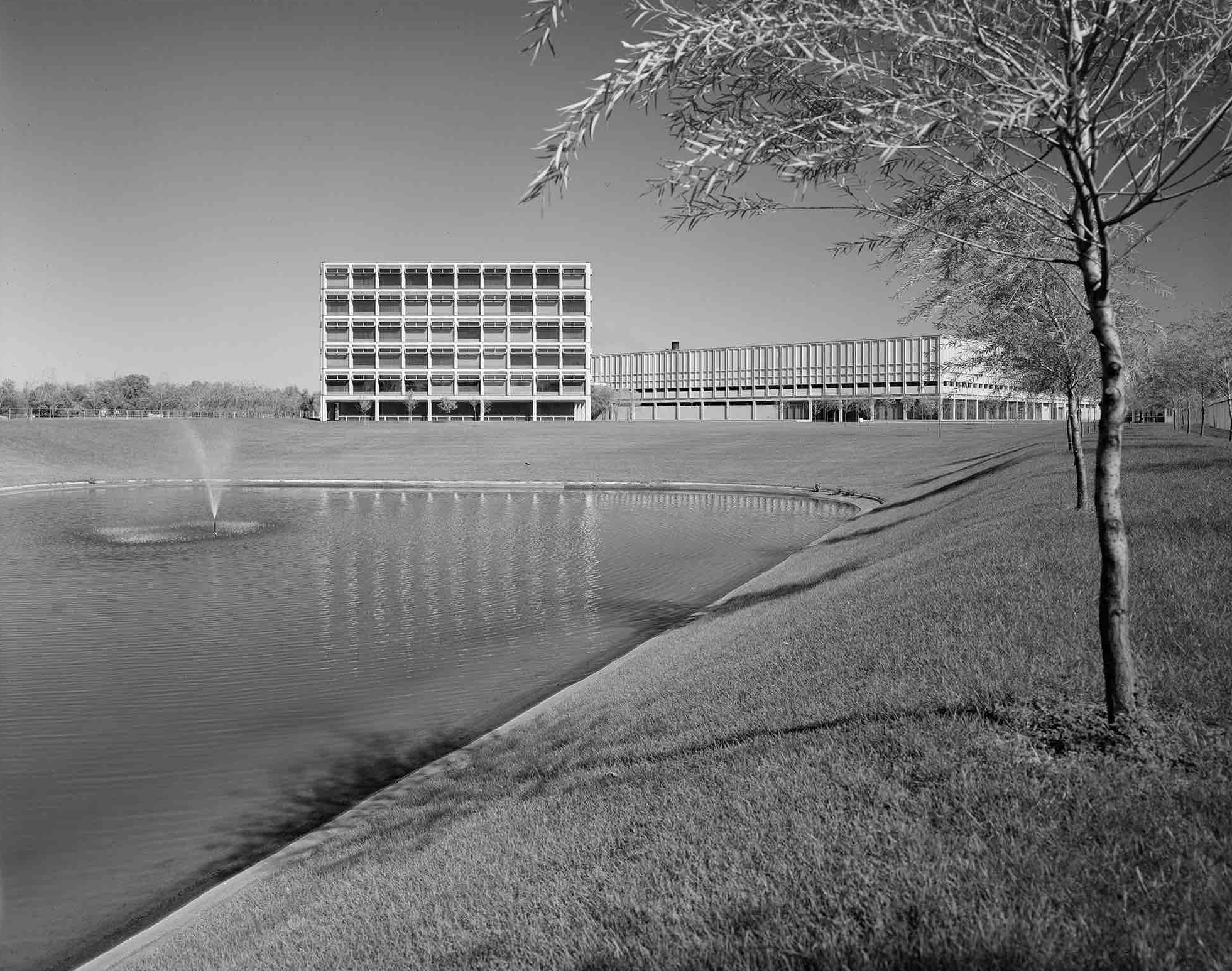 Harry Weese, Cummins Engine Company, Inc (Columbus, IN) 1961