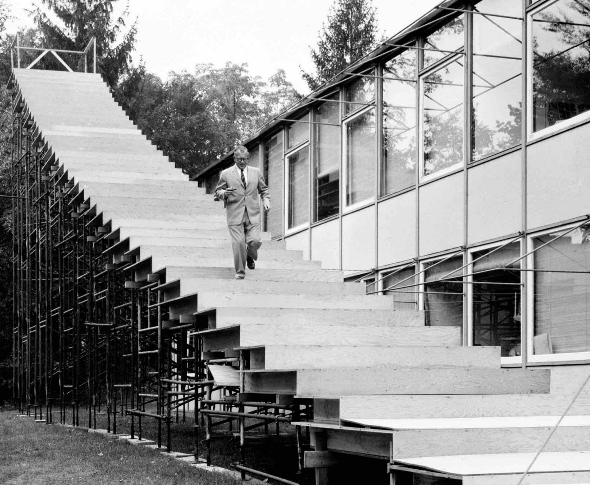 Eero Saarinen, Steps to the St. Louis Arch, 1962