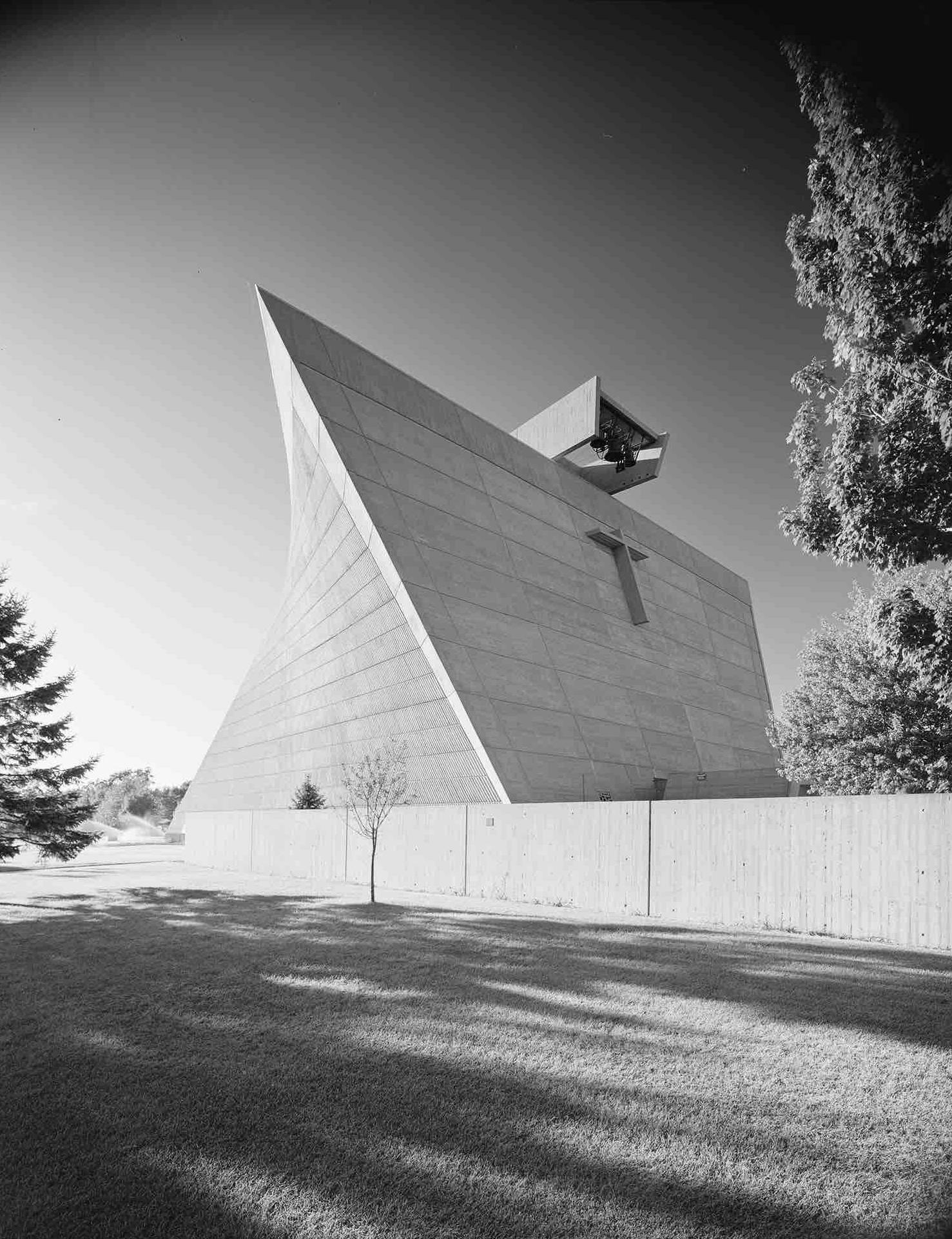 Marcel Breuer, Church of Saint Francis de Sales (Norton Shores, MI) 1967