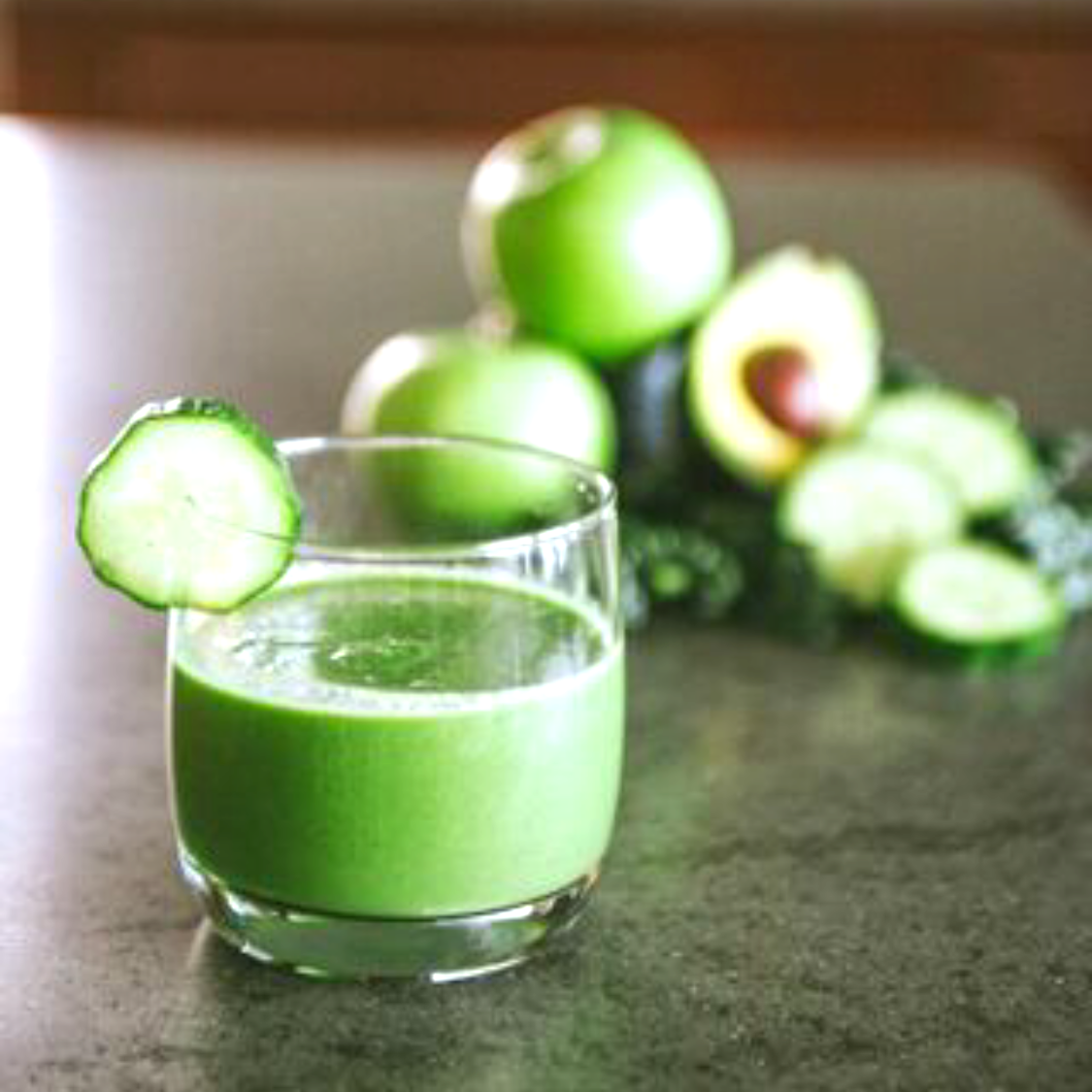 MOMMY CHIC:  Fitness Week: Smoothie Chic with Be Well by Kelly Leveque