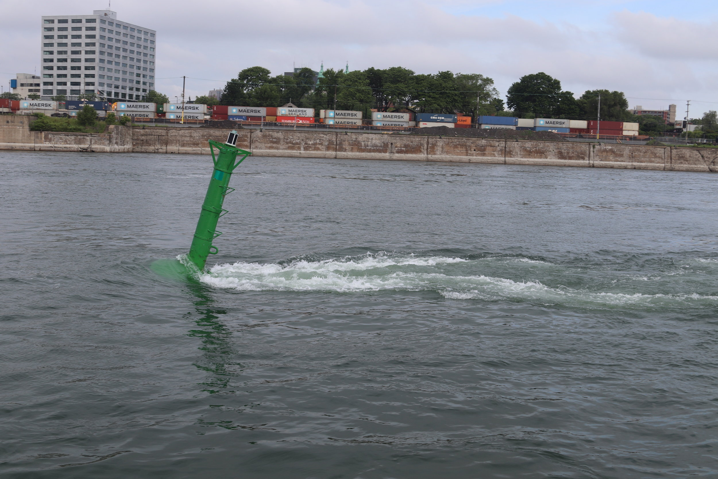This is what a a buoy looks like in a 6 knot current