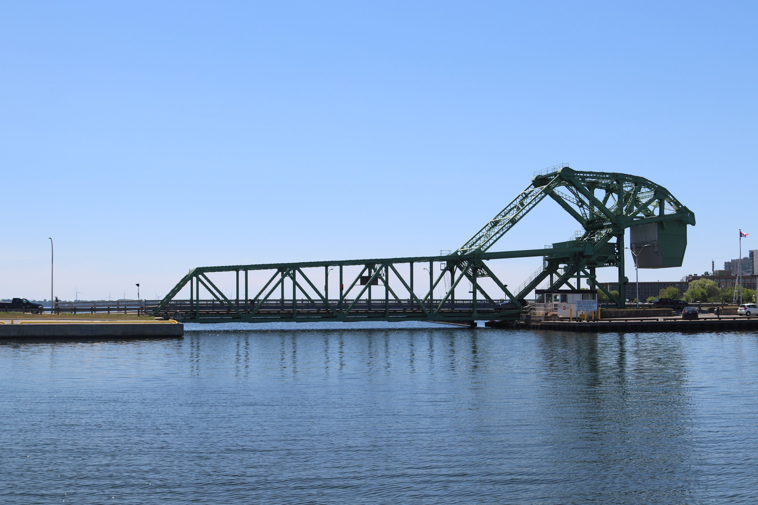Lift bridge at Kingston - opens on the hour