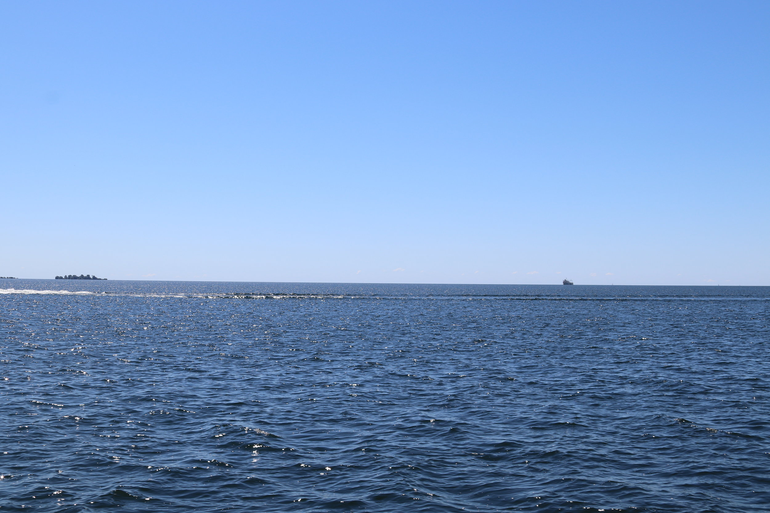 That small dot in the upper right is actually a huge freighter headed out to sea, um, I mean into Lake Ontario.