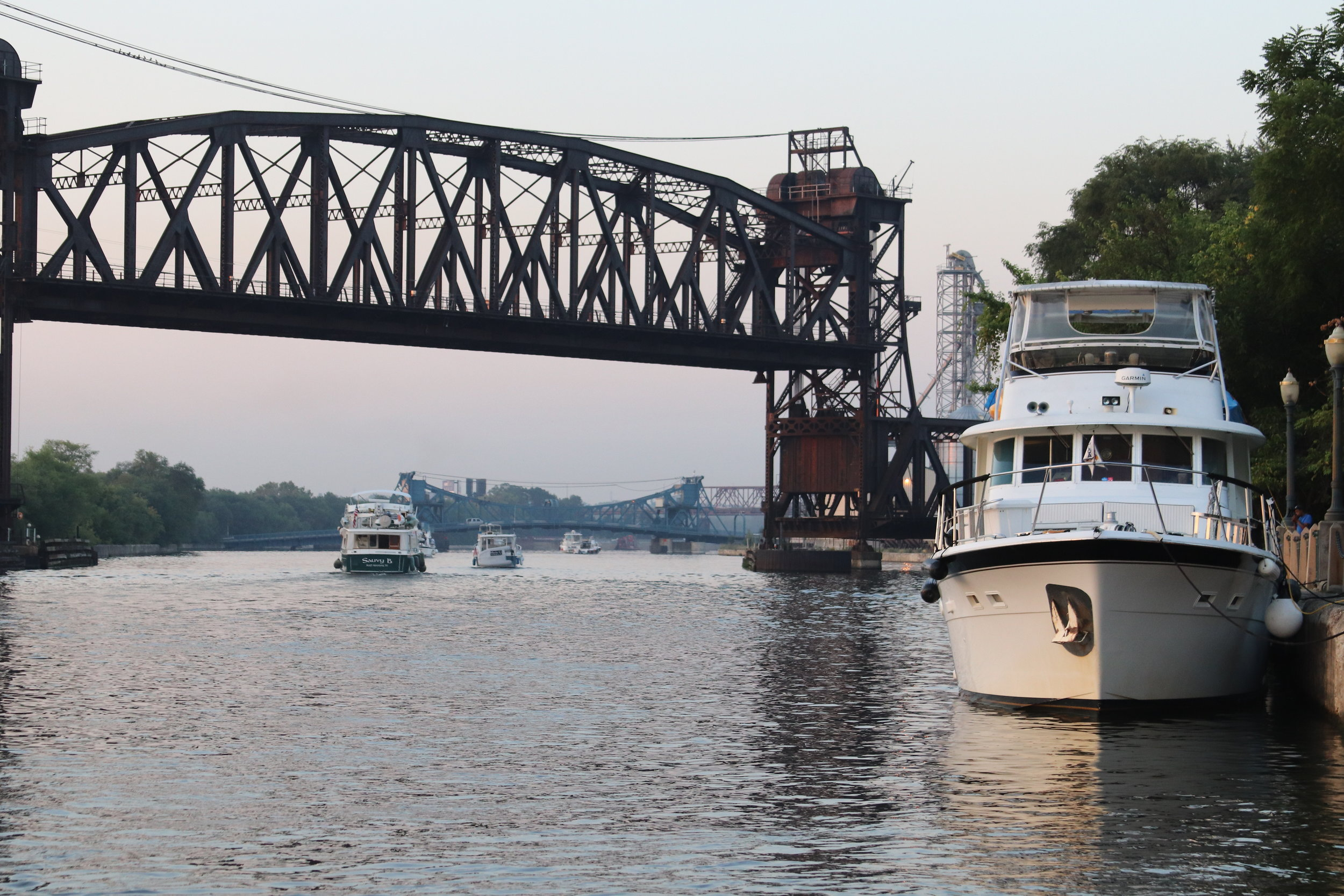 Looper flotilla heading south from Joliet wall