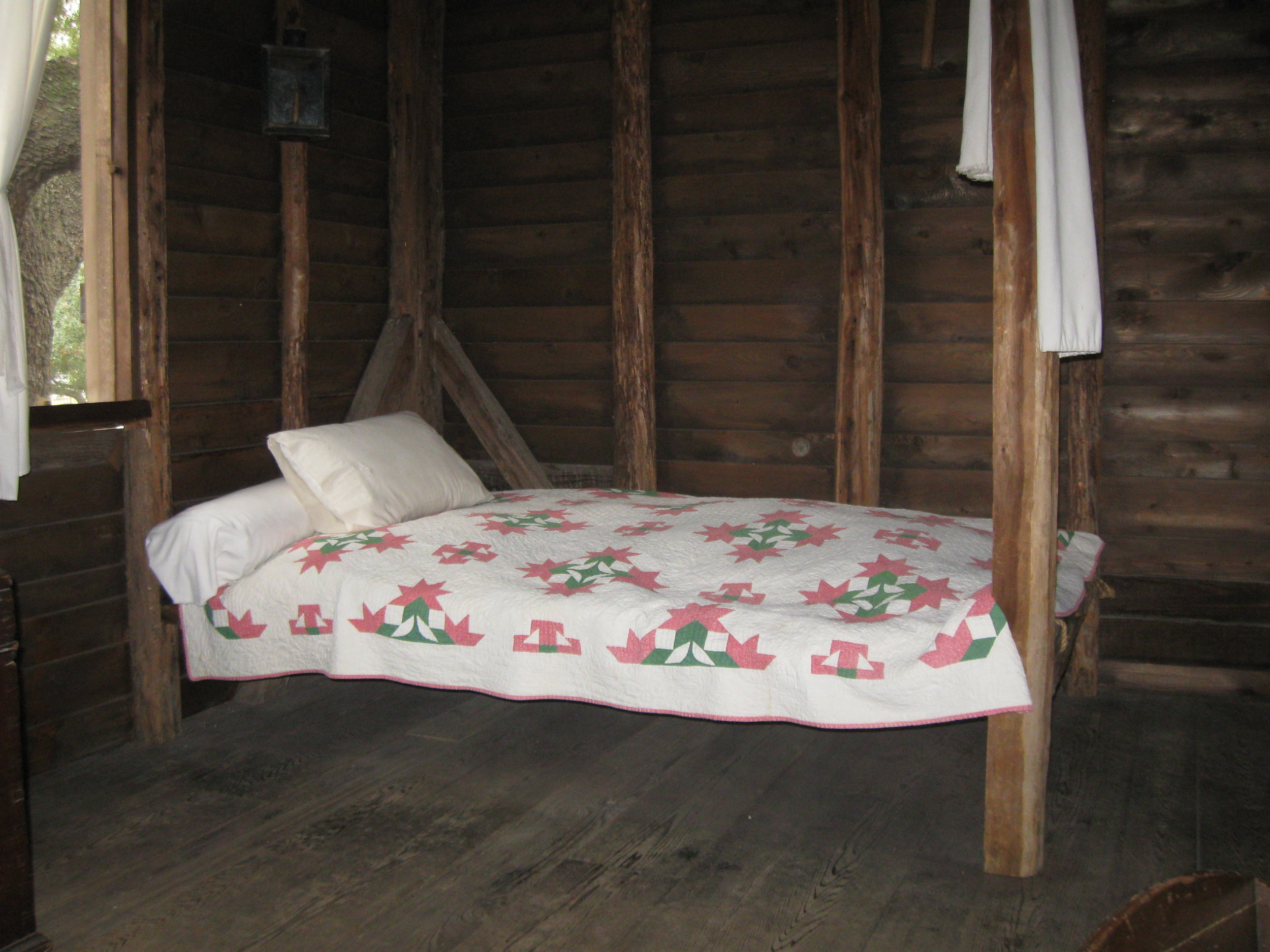 Georgia Hoss bed, Old Place, Permanent collection of The Heritage Society
