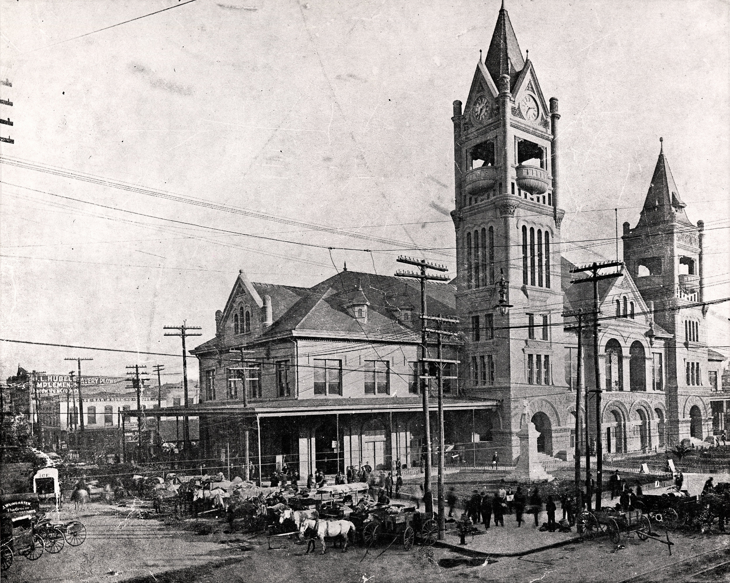 The Baker-Meyer Building was constructed facing the City Hall and Market Tower, shown here in 1904.  City Hall and Market House, Image 5.  1904. Special Collections, University of Houston Libraries.
