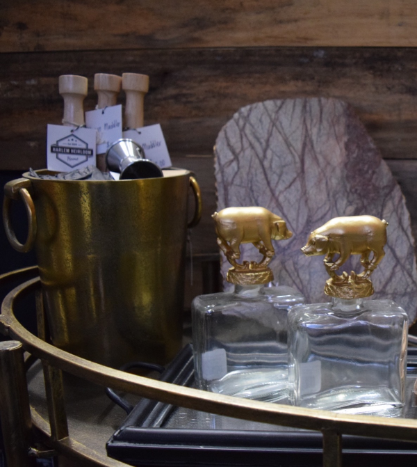 Fun accessories to add to the bar cart. The champagne will look beautiful chilling in that gold ice bucket.