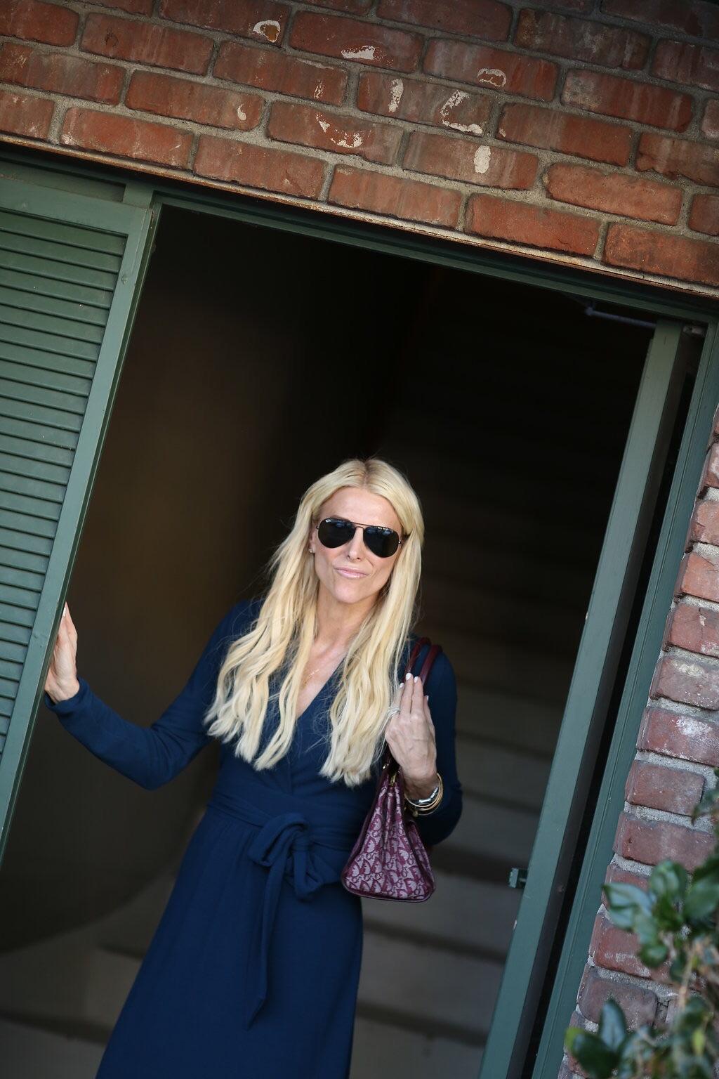 Dress: CAbi (old, but similar  here ) Sunglasses: ( Rayban ) Handbag: Dior (old) Shoes: ( Kate Spade )