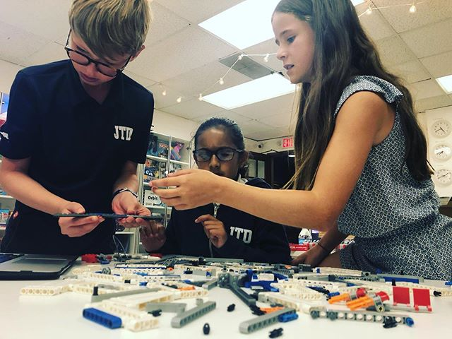 FLL Robotics Class learning about the season and building the missions! - - #atampalisadss #lego #starwars #nasa #fll #first #firstlegoleague #elementary #coach #robotics #engineering #awesomekids #funclass #greatstudents #learning #cityshaper #2019 #october #like #share #comment #inspire #joy #loveteaching #pacificpalisades #teacher
