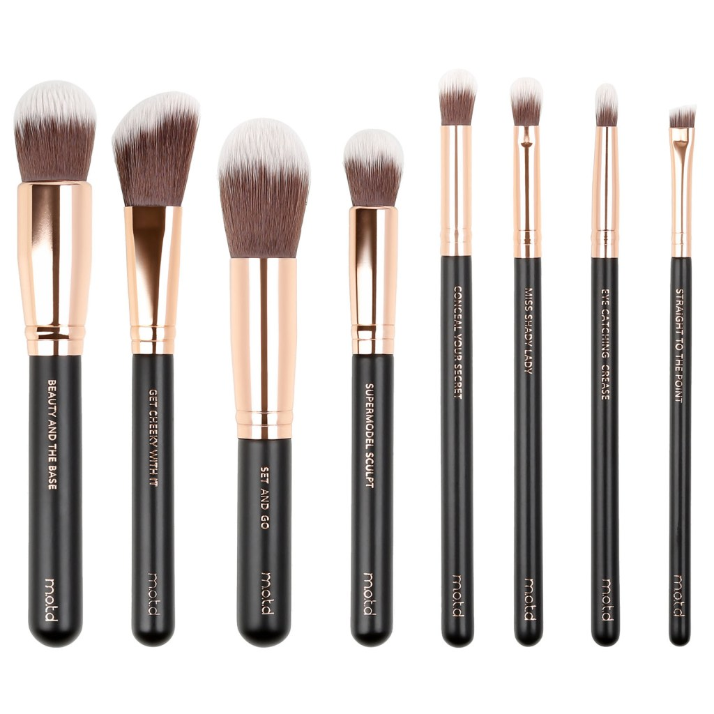 MOTD - LUX VEGAN MAKEUP BRUSH ESSENTIALS - If you're looking for an affordable high quality set of brushes to gift or to keep for yourself, this is the one! All of my favorite brushes in one set for only 38 dollars. It comes with 4 face brushes and 4 eyes brushes, perfect for completing your entire look with! Add a little something extra from their site and get Free Shipping on a $50+ order.
