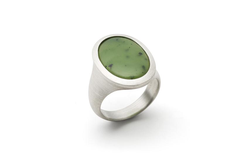 Ring in Silber mit Nephrit-Jade