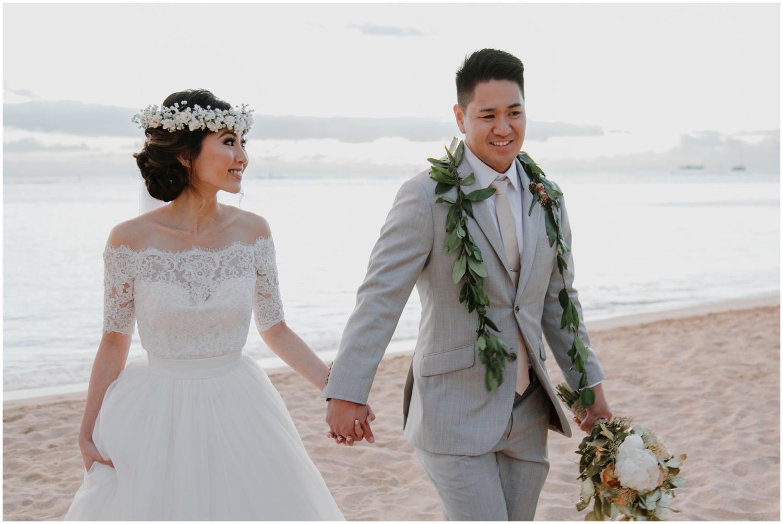 Honolulu Hawaii Wedding, Honolulu Hawaii Wedding Photographer, Cafe Julia Wedding in Hawaii, Hawaii Wedding Photographer, Hawaii Wedding Photos, Hawaii Elopement, Honolulu Photographer