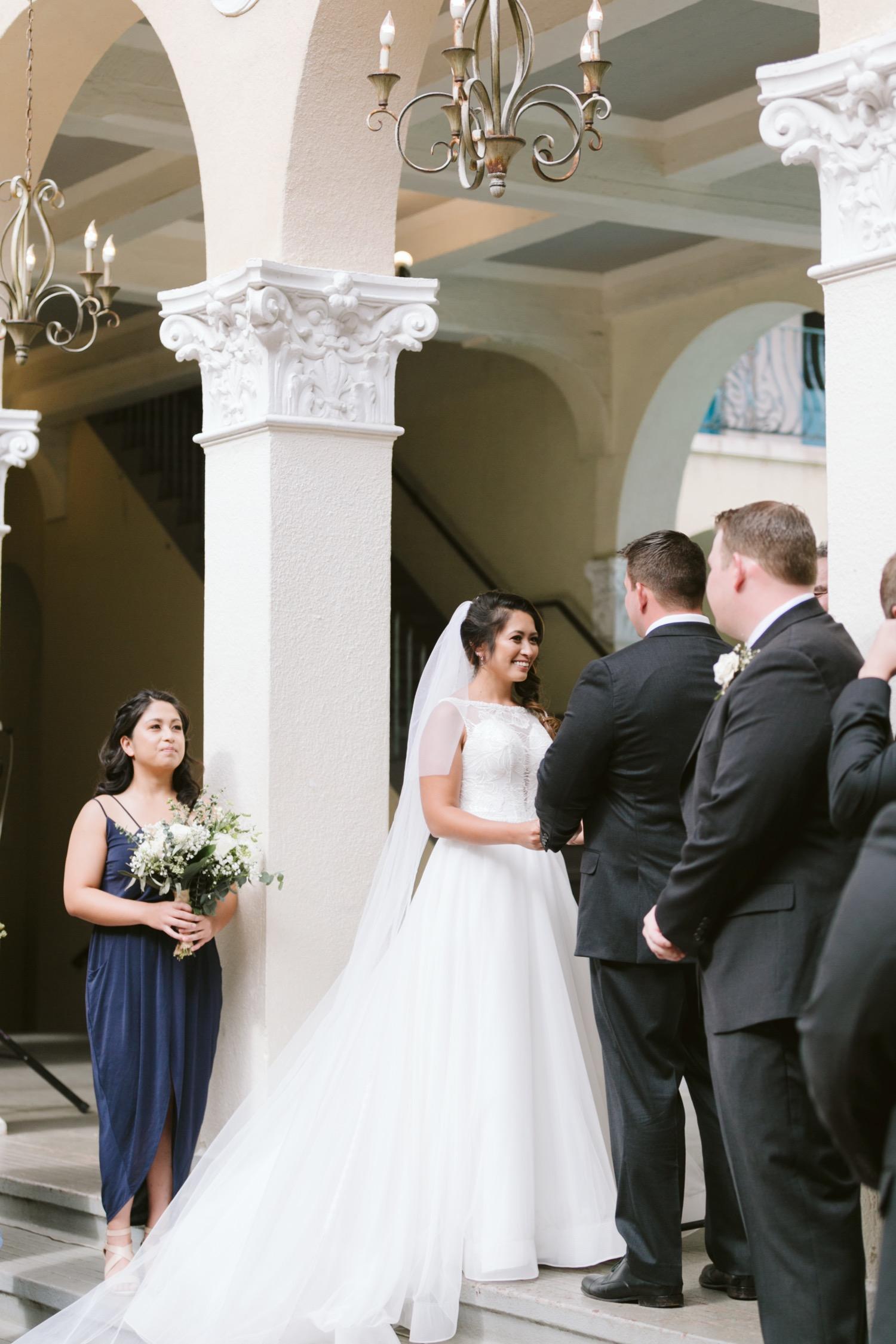 Julia_of_Honor_Groom_Ceremony_Bride_Wedding_maid_Cafe_Honolulu_Hawaii.jpg