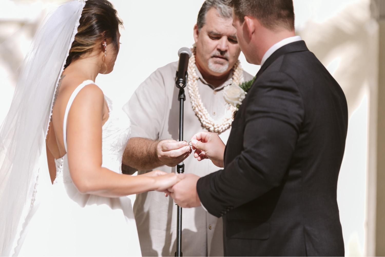 Julia_Vows_Hawaii_Groom_exchange_Ceremony_ring_Cafe_Wedding_Honolulu_Bride.jpg
