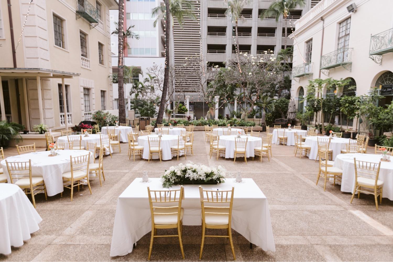 Julia_Hawaii_Sweetheart_Honolulu_Wedding_Cafe_table_reception.jpg