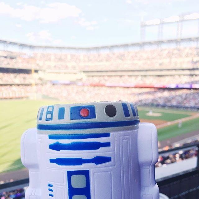 Star Wars night at the ballpark. #gorockies #rockiesbaseball #starwarsnightattheballpark #evilbochyfett #invasionofthecalifornians #agalaxyfarfaraway #r2d2 #yesthatsakoozie