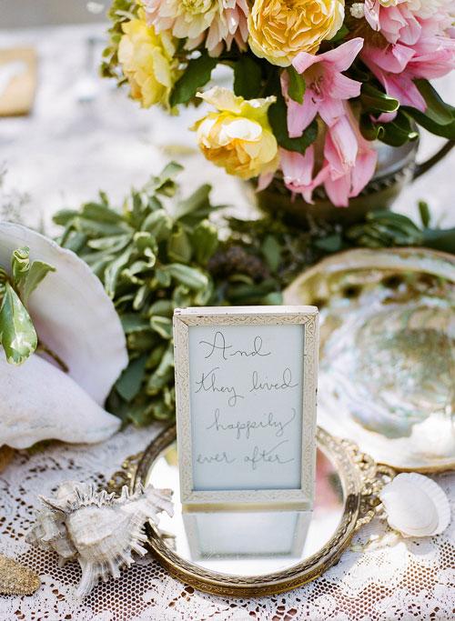 Table Decor for a Memory Gardens Wedding