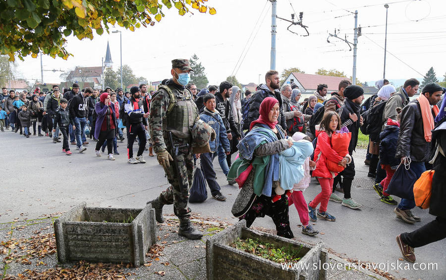 Syrian Migrants passing through Slovenia (Robert Cotič)